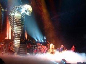 dios serpiente concierto de Shakira