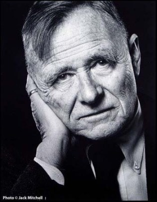 El autor homosexual Christopher Isherwood