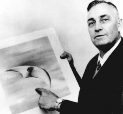 Kenneth Arnold 1947