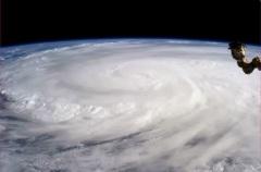 typhoon-haiyan-space