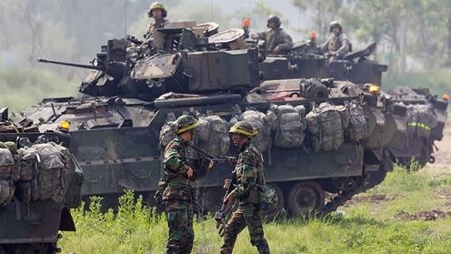 la-proxima-guerra-eeuu-envia-decenas-tanques-vehiculos-de-combate-base-militar-corea-del-sur