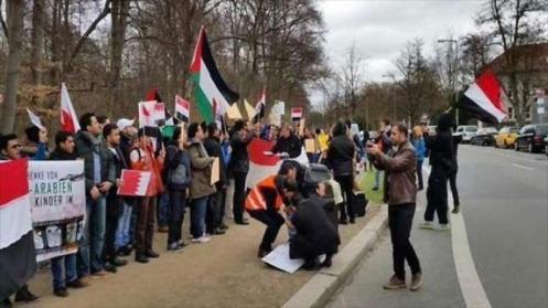 Una protesta en el Reino Unido contra invasión saudí
