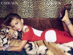 Campaña polémica publicada en Vogue donde vistió a niñas como adultas.