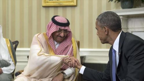 Presidente estadounidense, Barack Obama (decha), se reúne con el príncipe heredero de Arabia Saudí, Mohamad bin Nayef, en la Casa Blanca, Washington. 13 de mayo 2015.