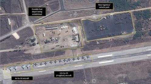 Imagen satelital que muestra aeronaves militares rusas en Siria.