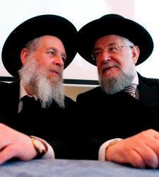 udíos de origen askenazi. Muy importante es aclarar que sólo una pequeña élite de ellos son sionistas que se hacen pasar por judíos.