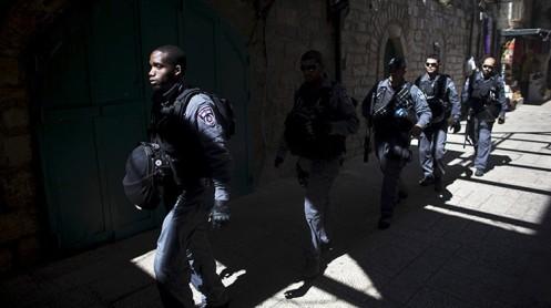 Policías israelíes en la Ciudad Vieja de Jerusalén / Ronen Zvulun / Reuters