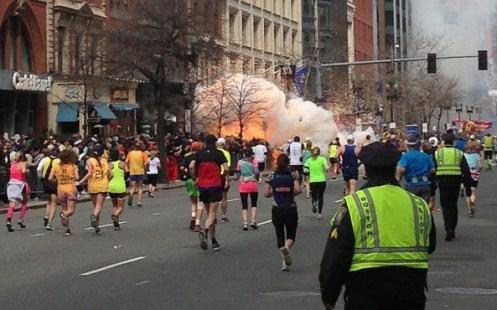 boston-explosion-m_2537196k